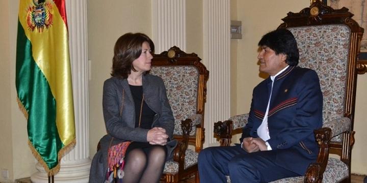Embajadora-de-Croacia-con-presidente-de-Bolivia