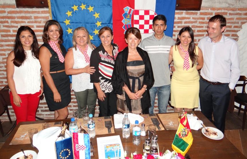 7 estudiantes de curso de croata pasan examen de ciudadania croata en Santa Cruz,Bolivia