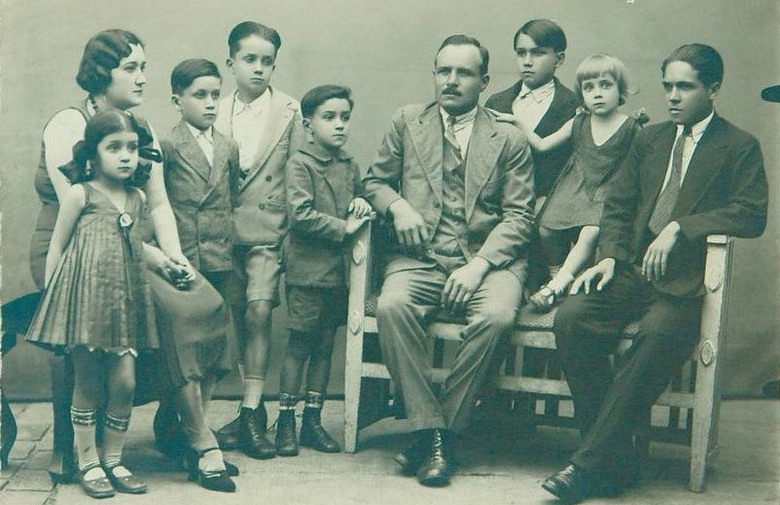 Vecernji List Pavisich family picture 1930s