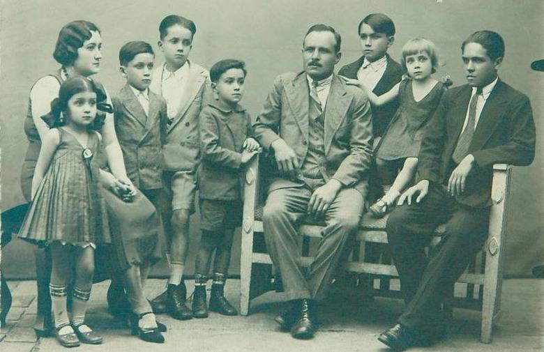 Vecernji List Pavisich family picture 1930s